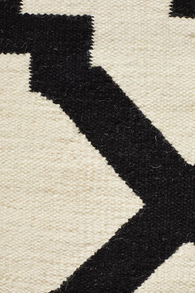 Flat Weave Trellis Design Black White Rug